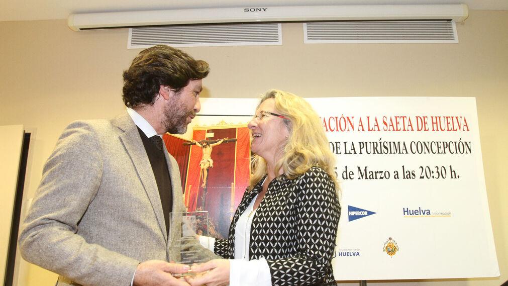Imágenes de la entregas de reconocimientos en la XXV Exaltación a la saeta de Huelva.