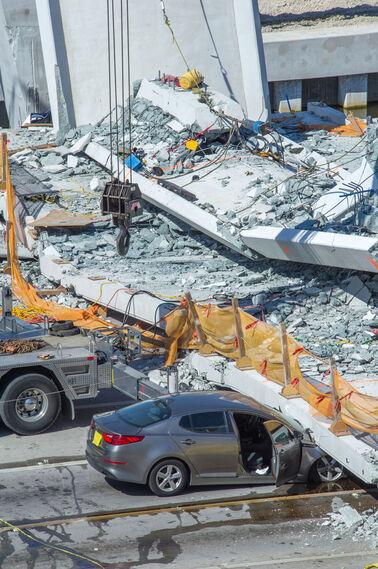 Las impactantes imágenes del derrumbe en Miami