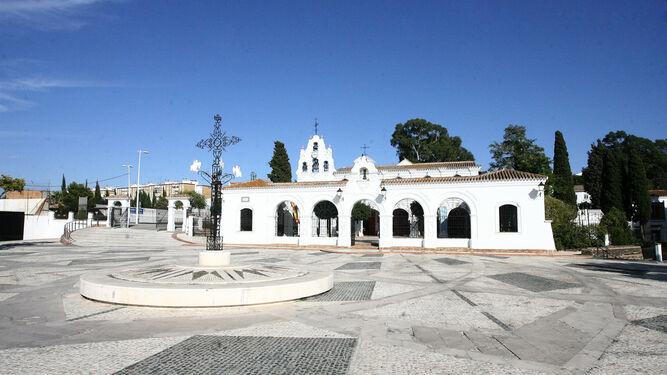 El Santuario de la Cinta, ante el que se sitúa la plaza de Capuchinos.