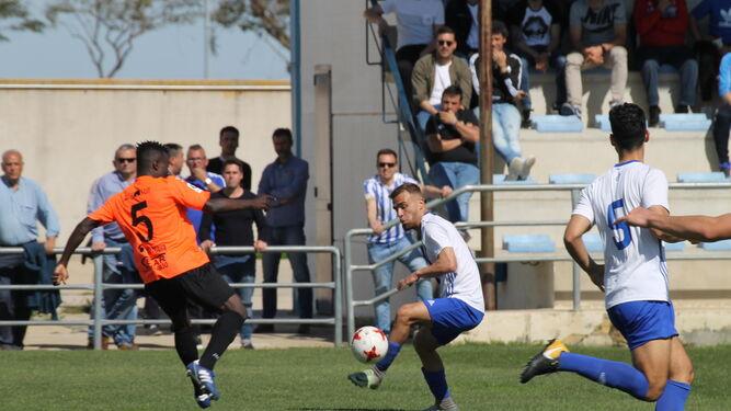 Imágenes del encuentro disputado ayer en la Ciudad Deportiva.