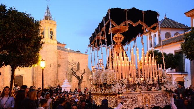 Desfile procesional del Señor de la Humildad y Paciencia, en Aroche.