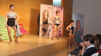 'Santa Águeda' (Aocam) presenta el desfile de trajes de baño y lencería de la temporada primavera-verano 2018
