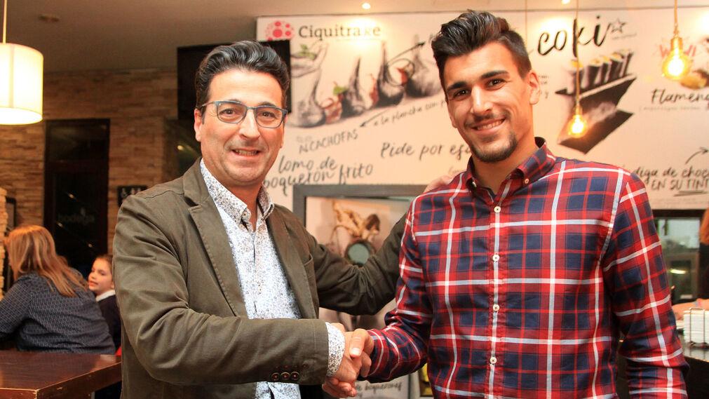 Imágenes de la tertulia deportiva de Huelva Información con José Antonio Cabrera y Diego Jiménez como invitados