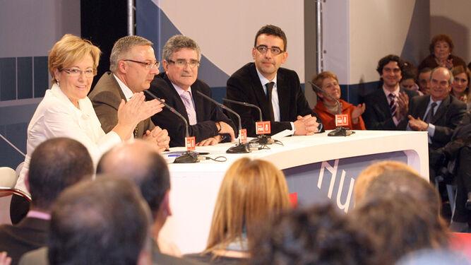 Petronila Guerrero, José Blanco, Luis Pizarro y Mario Jiménez en un encuentro para trazar el futuro del AVE a Huelva hace ocho años.