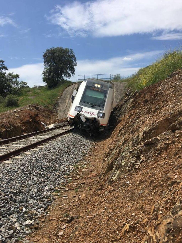La Huelva-Zafra reanuda su servicio entre críticas por mala conservación