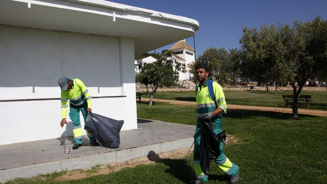 Trabajos de limpieza en las instalaciones.