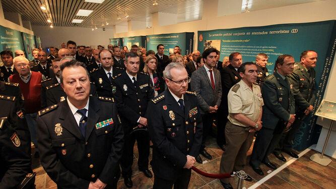 Decenas de agentes, mandos y políticos asistieron a la inauguración