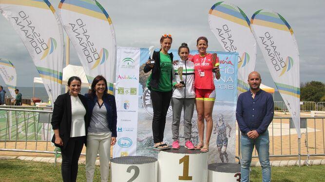 El podio femenino de la prueba.