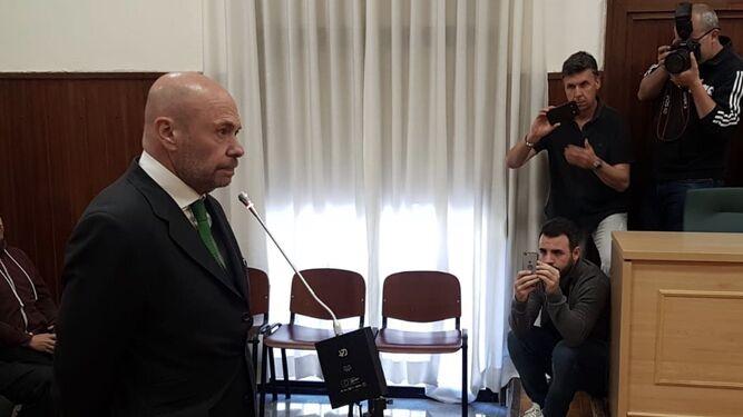 Pablo Comas, con gesto serio durante su declaración ante el Tribunal.