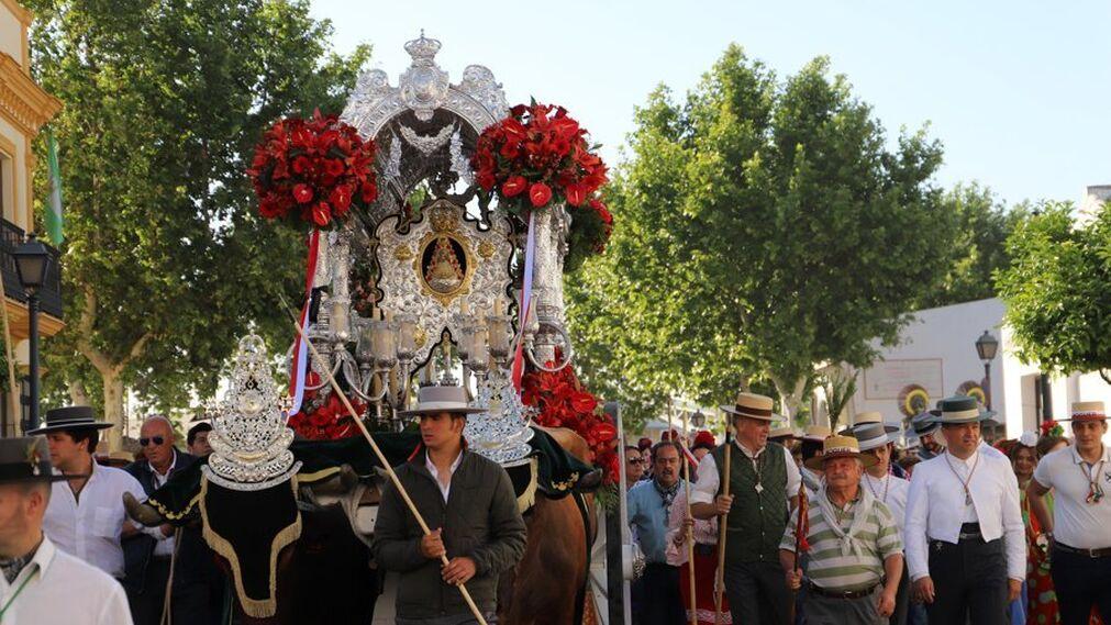 La salida de la Hermandad de Moguer hacia El Rocío