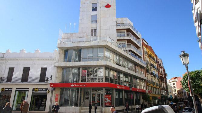 Banco santander abrir a partir de hoy 500 oficinas por la for Oficinas adolfo dominguez madrid