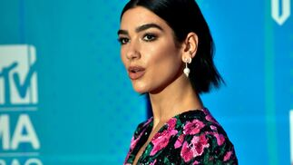 Dua Lipa de Saint laurent