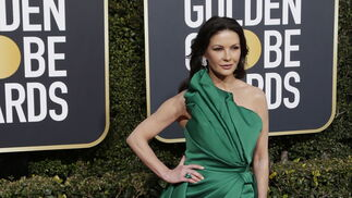 <p>Catherine Zeta-Jones, de Elie Saab.</p>