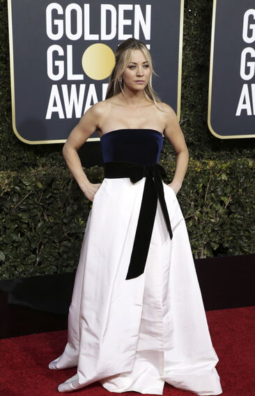 <p>Kaley Cuoco, de Monique Lhuillier.</p>