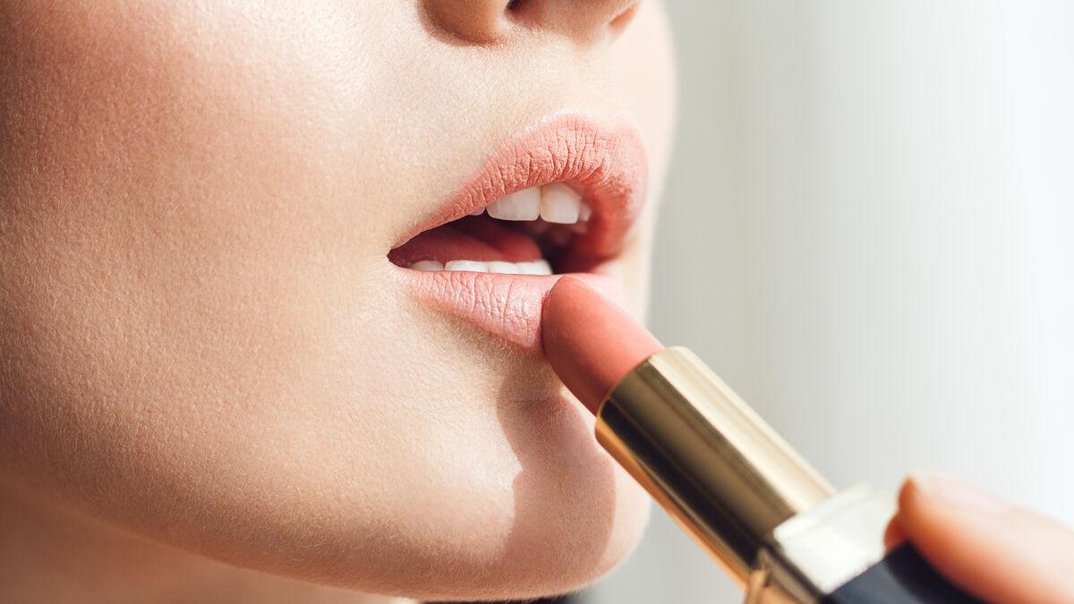 Maquillaje de labios a prueba de...