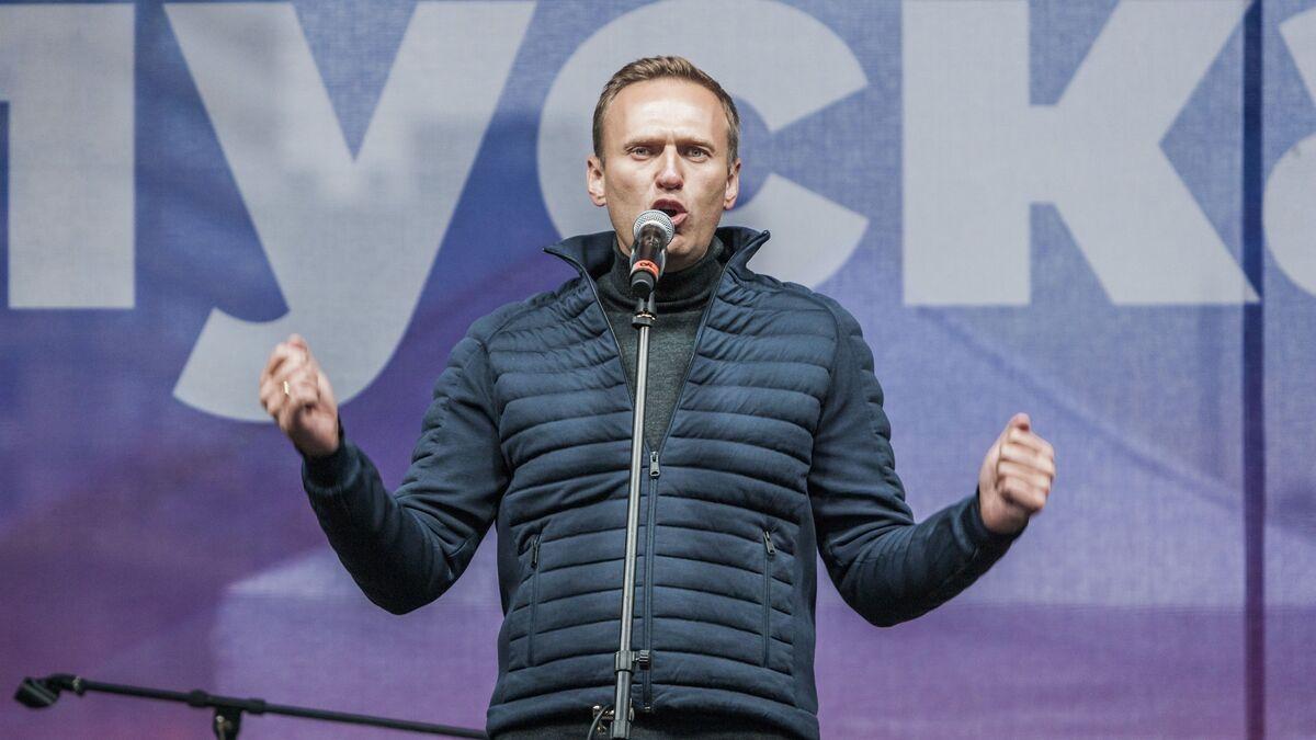 Navalni abandona su huelga de hambre después de 24 días