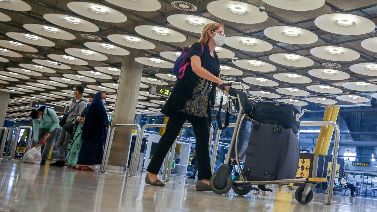Prorrogadas la restricciones para viajeros que lleguen a España desde Reino Unido, Brasil y Sudáfrica