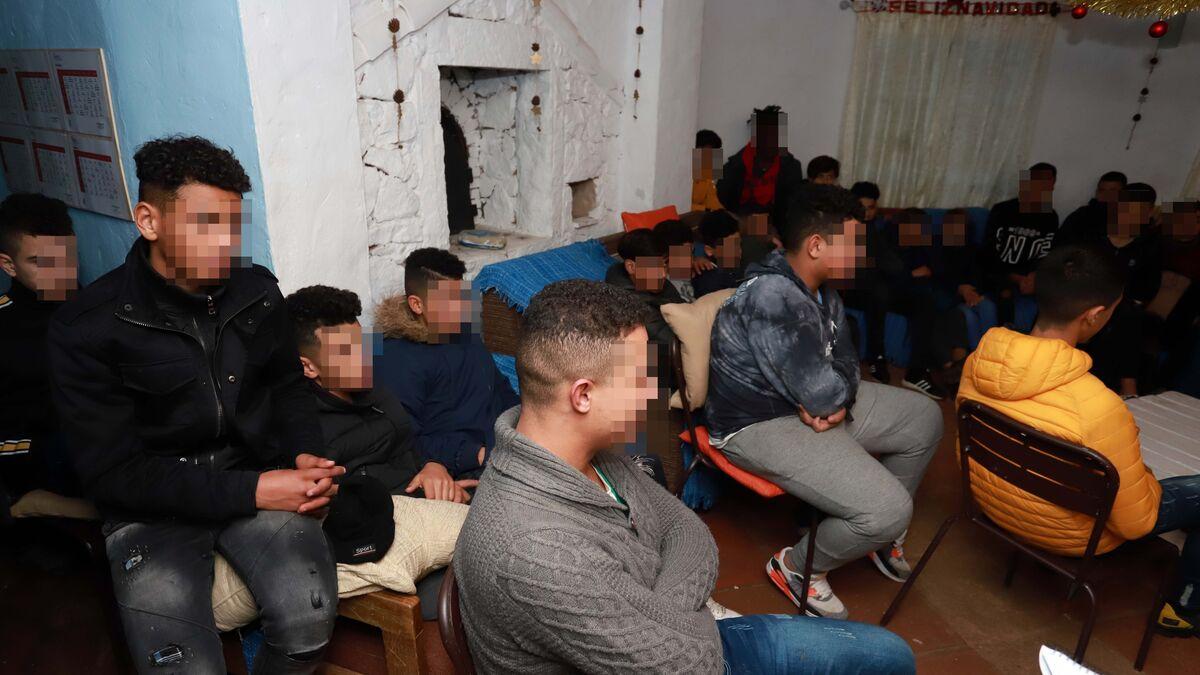 Uno de cada cinco niños extranjeros crece sin papeles en España
