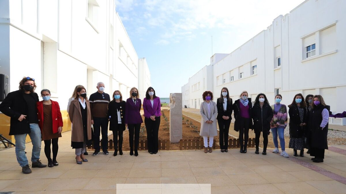 La Universidad de Huelva inaugura la escultura Jardín de los Ausentes