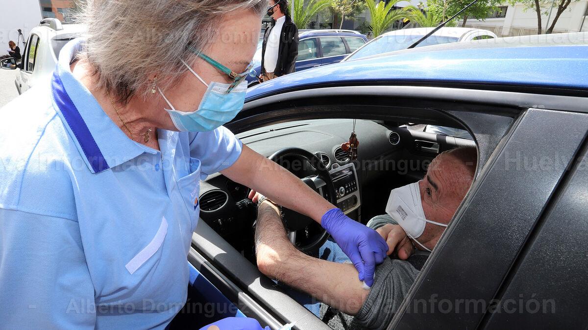 Imágenes de la vacunación con Janssen en el Centro de Salud El Torrejón