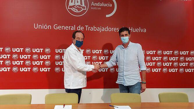 Antonio Castaño y Sebastián Donaire tras firmar el convenio