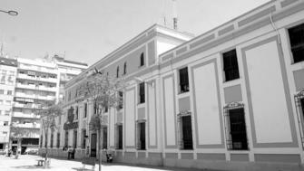 Correos traslada su oficina principal a la calle castilla for Oficina de correos huelva